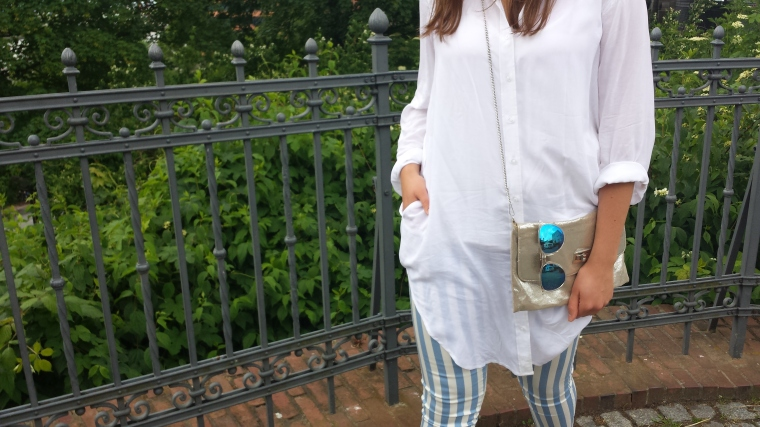 Weißer Blazer, gestreifte Hose, weißes Blusenkleid - ootd10