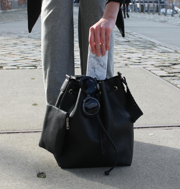 Schlaghosen kombinieren - Streifenshirt-Bucket Bag11