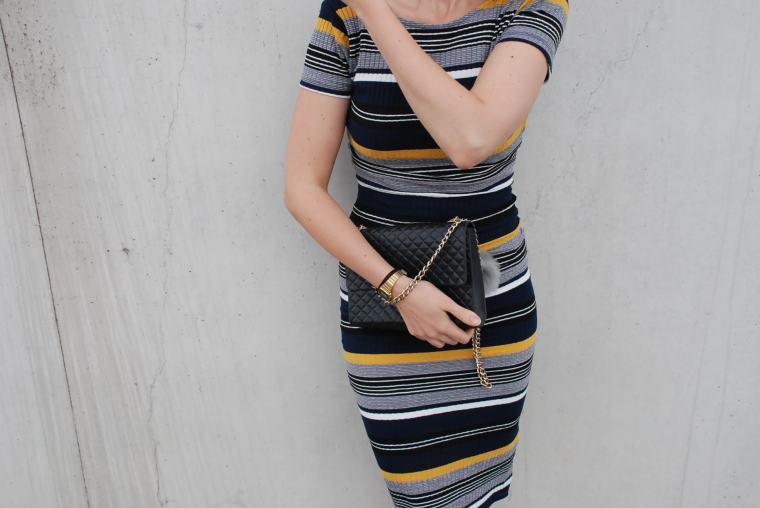 Kleid mit Querstreifen-Kleid Blockstreifen - Kleid bunt - Midikleid kombiniert - Runde Sonnenbrille - modegeschmack blog11