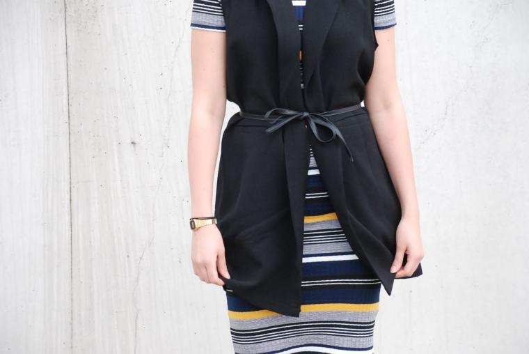Kleid mit Querstreifen-Kleid Blockstreifen - Kleid bunt - Midikleid kombiniert - Runde Sonnenbrille - modegeschmack blog5
