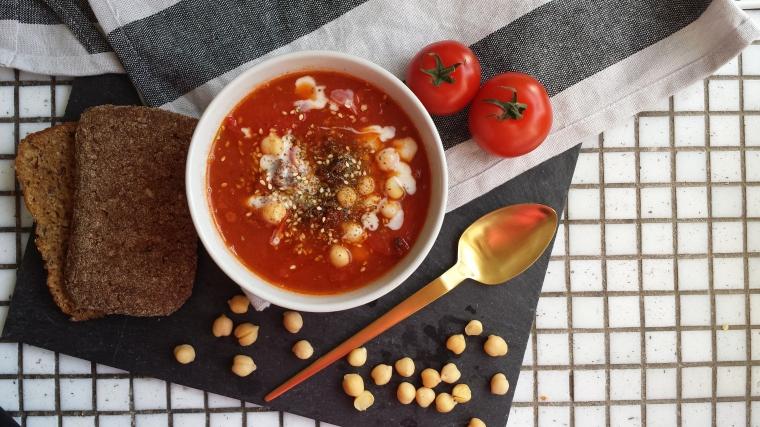 kichererbsen-tomaten-suppe-einfach-vegan-gesund-herbst-winter