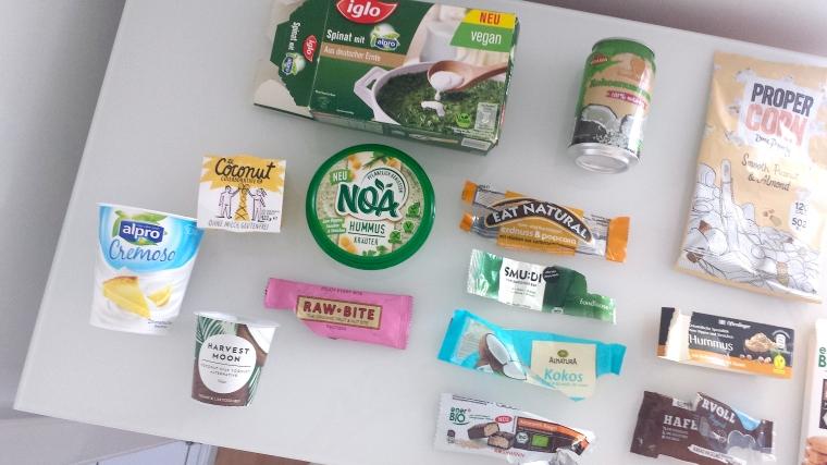 vegane-fertigprodukte-aufgegessenes-essen-veganes-essen-fast-food-review-vegan-modegeschmack0